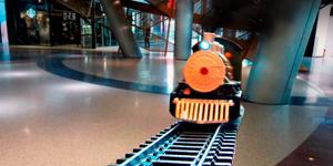 Распаковка игрушек для мальчиков.  Поезд и железная дорога.